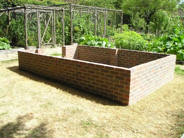 Greenhouse Dwarf Wall From Side Rear