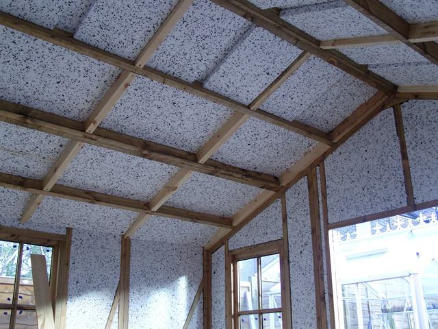 Insulation of garden building left right hand side