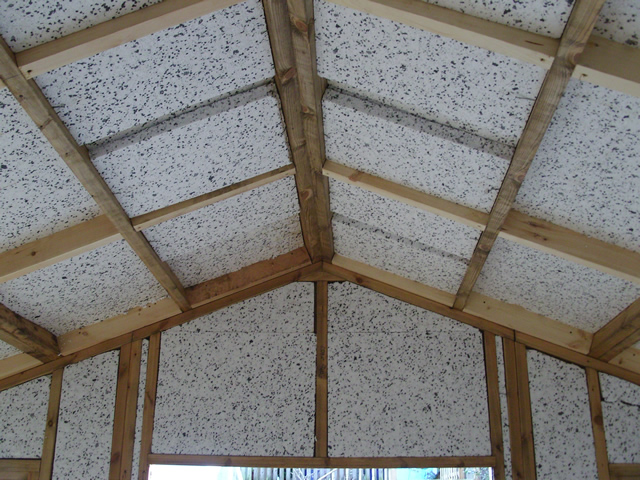 Insulation of garden building roof