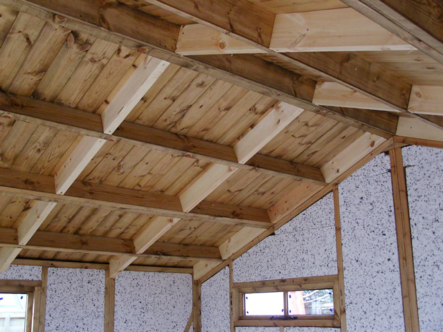 Left hand roof before insulation