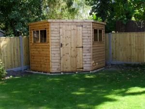 Corner shed installation in Hurstpierpoint