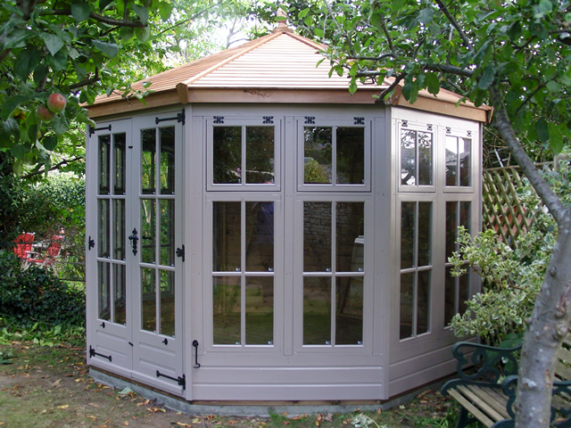 summerhouse-installation-henfield