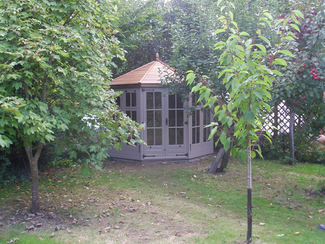 summerhouse-installation-west-sussex