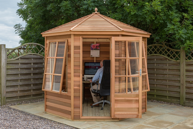 Alton Tetbury Cedar Summerhouse