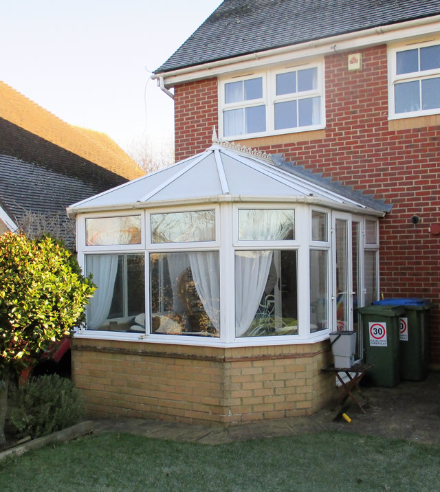 MACLEAN Old Polycarbonate Roof