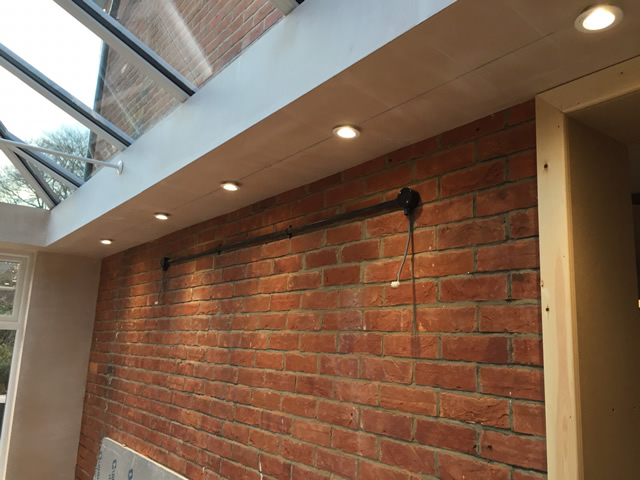 Birdseye - Showing pelmet to house wall