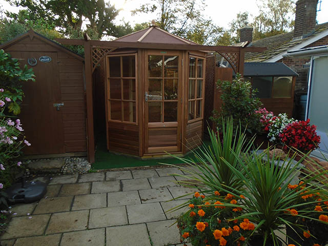 Smith Alton Octagonal Summerhouse Installation