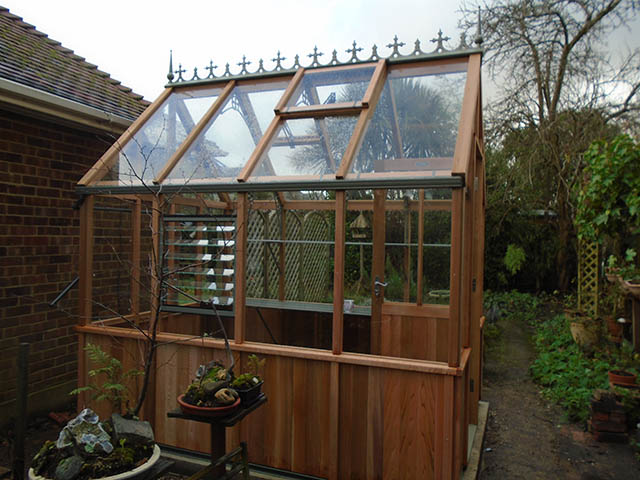 Alton Greenhouse Left View Complete - Mills