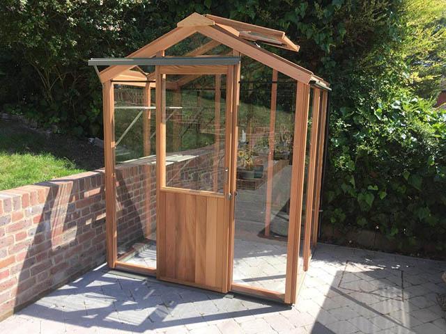 Alton Evolution Greenhouse Installation - Williams