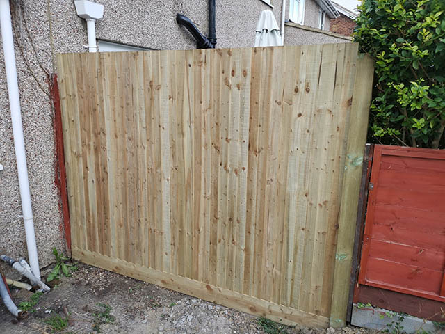 Bay of Closeboard Fencing Installed in Crawley - Dunn