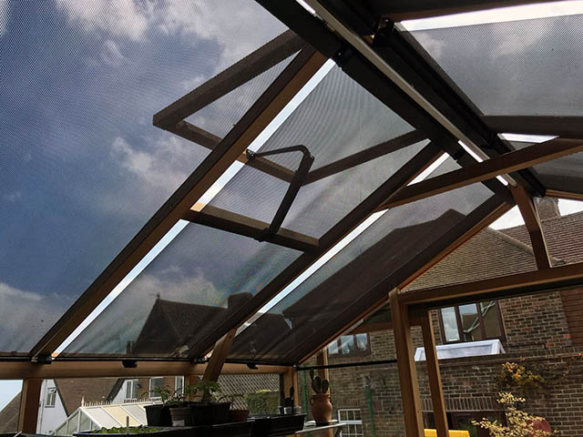 Roof Blinds Installed on to a Alton Eight Greenhouse - Gardiner (3)