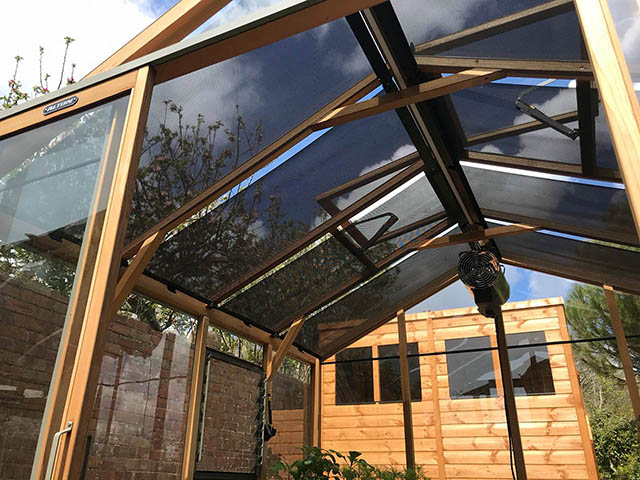 Roof Blinds Installed on to a Alton Eight Greenhouse - Gardiner (5)