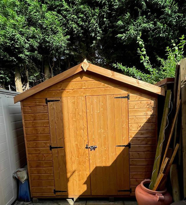 Garden Storage Shed Installation in Horsham West Sussex - Stringer