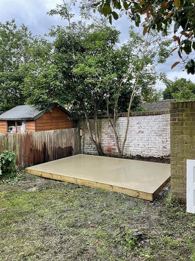 Concrete Base for Garden Workshop - Homann