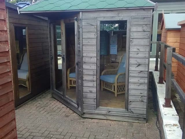 Henly 8x8 Corner Summerhouse Ex-display August 2017